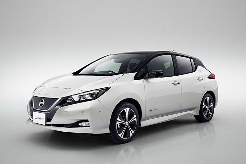 2018-Nissan-Leaf-Official-012